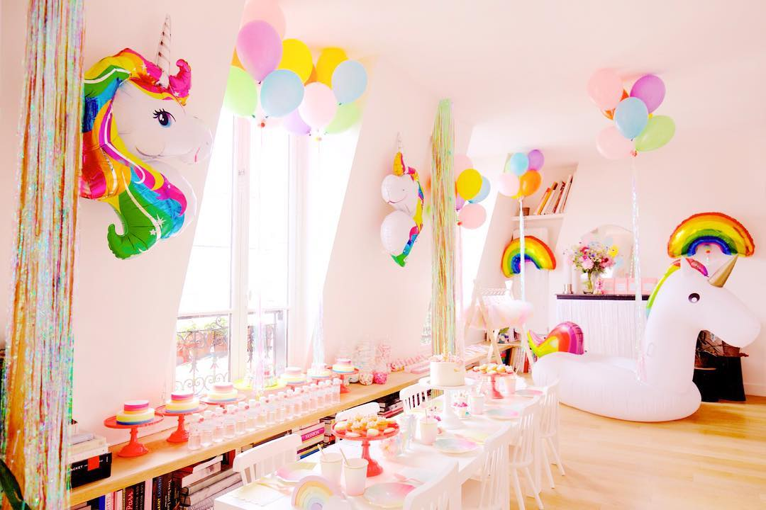 UNICORN PARTY. Holidays Unicorn Party for Miss Bianca Julie Bergmann ✨Set design by Lili Bergmann Party Rentals by Lili Bergmann Studio #unicorn #unicornparty #kidsparty #kidsdecor #eventdecor #eventdesign #lilibergmann #lilibergmannstudio#licorne