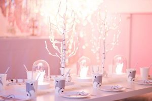 White Winter Wonderland 16.12.2017 Christmas Party✨The kids table✨& Party Design by @lilibergmann raccoon paper tableware: @monoprix /fox globes lamps: @ikeafrance #lilibergmannstudio #lilibergmann #monoprix #ikeavinter2017 #ikea #noël#tabledenoel #christmastable #kidstable #winterwonderland #whitechristmas #whitewinterwonderland