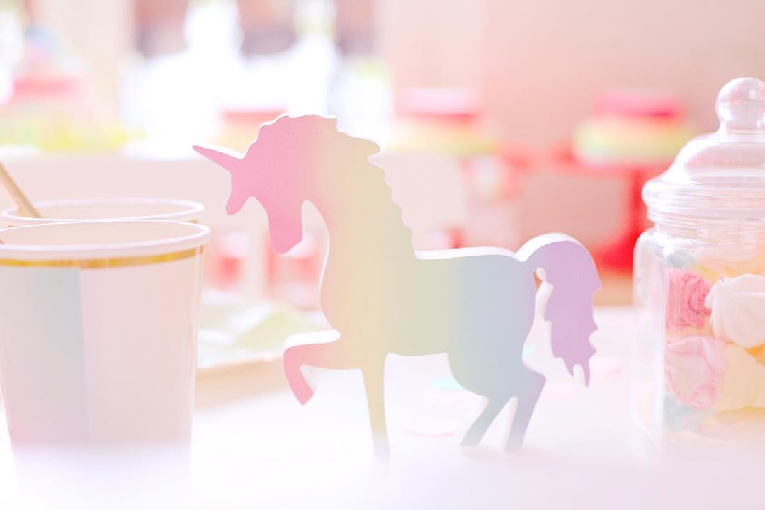 UNICORN PARTY. Holidays Unicorn Party for Miss Bianca A pastel iridescent party for little unicorns ☺️Thank you Kajsa @kajsadaisyparis for the best parties in town, and to all the parents of these adorable girls! Julie Bergmann ✨Set design by Lili Bergmann✨ This beautiful unicorn is from @juliarosegifts #unicorn #unicornparty #kidsparty #kidsdecor #eventdecor #eventdesign #lilibergmann #lilibergmannstudio